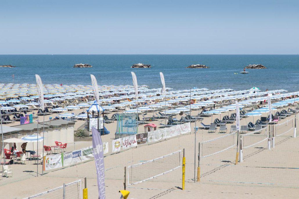 Spiaggia Cesenatico campi da beach volley