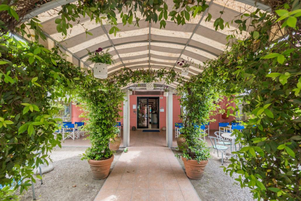 Giardino relax Hotel Villa Rosa Cesenatico centro